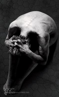 New 'Penny Dreadful' Poster Shows A Spooky Optical Illusion . Dark Photography, Black And White Photography, Human Body Photography, Creepy Photography, Illusion Photography, Concept Photography, Lifestyle Photography, Illusion Kunst, Arte Obscura
