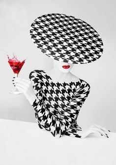 En blanco y negro. Black and white photographs of hats Arte Fashion, Ideias Fashion, Color Splash, White Photography, Fashion Photography, Foto Art, Art And Illustration, Black White Red, Houndstooth