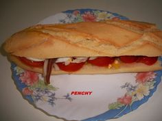 Bocadillo campero Antipasto, Tapas, Sandwiches, Hot Dogs, Pizza, Cooking Recipes, Ethnic Recipes, Food, Paninis