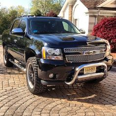 @nickarlotta #AValanchecrew #chevy #teamchevy #avalanche #trucklife #bullbar #offroad