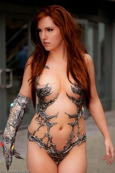 cosplayandgeekstuff:  Jacqueline Goehner (USA) as Witchblade Photo by:HinoBen