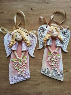 Pin on keramika Polymer Clay Ornaments, Polymer Clay Projects, Clay Crafts, Diy And Crafts, Angel Ornaments, Diy Christmas Ornaments, Christmas Angels, Pottery Angels, Clay Angel