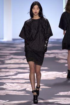 Vera Wang Fall 2013 Ready-to-Wear Fashion Show