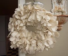 love this ivory burlap wreath