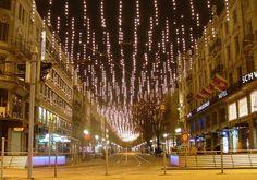 Zürich Weihnachtsbeleuchtung.Conditorei Schober Cafe Peclard In Zurich Www Thisoffscriptlife