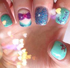 little mermaid nails Get Nails, Love Nails, Pretty Nails, Nails For Kids, Girls Nails, Little Mermaid Nail Art, Baby Nails, Disney Nails, Cute Nail Art