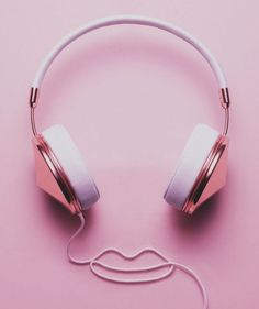 Cute rose gold and musk pink headphones . Pretty In Pink, Pink Love, Magenta, Purple, Pink Pink Pink, Tout Rose, Deco Rose, Catty Noir, Plakat Design