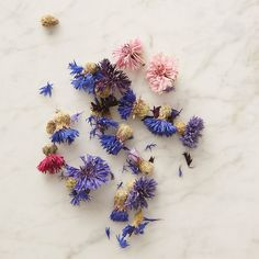 "Grown, harvested, and dried by hand in a California garden, these edible blooms add a touch of natural color to salads, ice cubes, or cupcakes.- Dried cornflowers- All-natural - USA3.5""W, 4.75""L, 0.5""D"