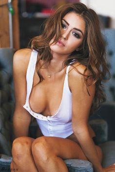 休閒 - 90後法國嫩模Jehane Gigi - 性感機車寫真酥胸盡露身材惹火 Life2c.com - Life Style