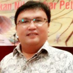 Bersyukur rakyat Indonesia ini diberi kesabaran level tinggi. Sabar melihat petingginya saling lempar tanggung jawab dan sabar berada di level upah minimum provinsi.