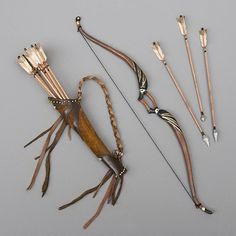 How to make a bow, and quiver full of arrows for to scale BJD. How to make a bow, and quiver full of arrows for to scale BJD. Narnia, Bjd, Wrath And The Dawn, Accessoires Barbie, Rangers Apprentice, Bow Arrows, Fantasy Weapons, Greek Gods, Dragon Age