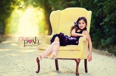 upholstered chair Chair Photography, Girl Photography Poses, Children Photography, Little Girl Photography, Best Friend Photography, Little Girl Photos, Girl Pictures, Fun Family Photos, Baby Photos