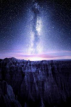 "banshy: "" Badlands National Park // Jaxson Pohlman "" A freezing and magical night in the Badlands National Park of South Dakota, USA Beautiful Sky, Beautiful Landscapes, Beautiful Places, Milky Way Photography, Nature Photography, Landscape Photography, Badlands National Park, National Parks, Nature Sauvage"