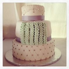 Lilac and mint detailed wedding cake - Belle's Patisserie