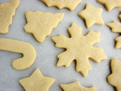 This is the BEST sugar cookie recipe- no chilling the dough, cookies keep their shape when baked, soft and flavorful, perfect for decorating. (tested this for Christmas cookies and LOVED the recipe! Sugar Cookie Recipe No Chill, Sugar Cookie Dough, Best Sugar Cookies, Sugar Cookies Recipe, Holiday Cookies, Sugar Cookie Recipe Without Vanilla Extract, Köstliche Desserts, Delicious Desserts, Dessert Recipes