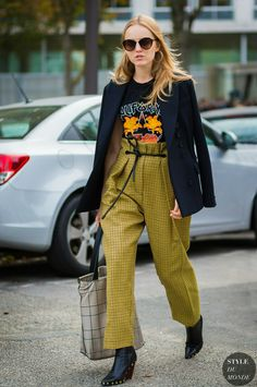 Paris SS 2017 Street Style: Alexandra Carl and Camille Charriere