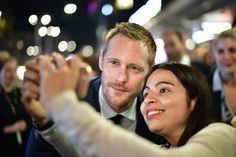 Alexander Skarsgard Photos Photos - Alexander Skarsgard takes a selfie with a fan as he attends the 'War On Everyone' Premiere during the 12th Zurich Film Festival on September 25, 2016 in Zurich, Switzerland. The Zurich Film Festival 2016 will take place from September 22 until October 2. - 'War on Everyone' Premiere - 12th Zurich Film Festival