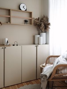 Ivar cabinets hack - beige on beige walls. Home And Living, Home And Family, Living Room, Berlin Apartment, Home Goods Decor, Home Decor, Beige Walls, Scandinavian Home, Home And Deco