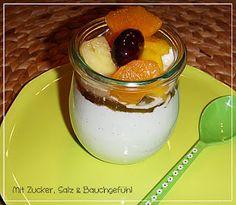 Vanille-Sahnejoghurt mit Früchten