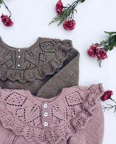 A free tutorial on how to knit the herringbone stitch.Tina's handicraft : 154 different designs for woven, knitted, crochet and embroi Baby Knitting Patterns, Knitting For Kids, Crochet For Kids, Crochet Patterns, Crochet Crafts, Crochet Yarn, Emma Bebe, Baby Frocks Designs, Toddler Sweater