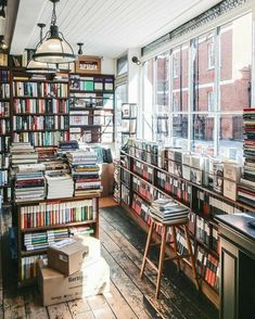 Dream Library, Library Books, Home Libraries, Coffee And Books, Book Aesthetic, Book Nooks, Book Of Life, Reading Nook, Temples