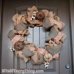 Bits Of Everything: Burlap Wreath Tutorial