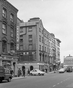 Dublin Street, Dublin City, Old Pictures, Old Photos, Gone Days, Photo Engraving, Dublin Ireland, Historical Photos, Places To Visit