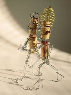 Cork and wire Dancing figures Wine Craft, Wine Cork Crafts, Bottle Crafts, Wine Cork Art, Wine Corks, Wine Bottles, Wine Cork Ornaments, Wine Cork Projects, Champagne Corks