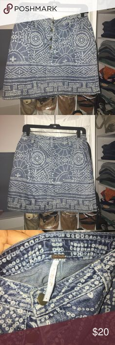 Free People Denim Skirt- size 6 Free People denim mini skirt, size 6, excellent condition! Free People Skirts Mini
