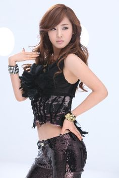 Yuri SNSD ★ Girl Generation - Run Devil Run: I hate how they don't have concepts like this anymore