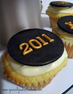Google Image Result for http://specialtycakecreations.com/wp-content/uploads/2011/06/Graduation-Cupcake-with-2011-Topper.jpg