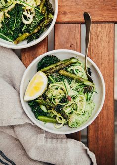 creamy zucchini noodles w/ white lentil spring onion sauce + cheesy sunflower sprinkle