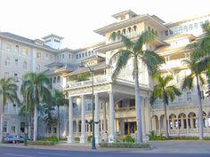 hotel front of my most favorite hotels Ive stayed at. I highly recommend! This is the oldest hotel on Waikiki -- Moana Surfrider - Waikiki Beach, Oahu Hawaii Honeymoon, Aloha Hawaii, Honolulu Hawaii, Hawaii Travel, Hawaii Pics, Hawaii Vacation, Dream Vacations, Honolulu Hotels, Hawaii Hotels