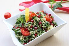 Tabbouleh - fresh parsley salad. Combinatia ideala: patrunjel, bulgur fin si menta!