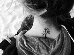 Pequeños Tatuajes | Árbol | Nuca