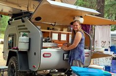Teardrop Trailer Lifestyle: Pictures and information about the way people camp with teardrops. Off Road Camping, Tent Camping, Camping Trailers, Glamping, 4x4 Camper Van, Camper Caravan, Teardrop Trailer, Teardrop Campers, Girl Scouts Of America