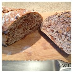 Speltbrood met noten « kookgek wilma Freshly Baked, Banana Bread, Food To Make, Buffet, Biscuits, Breakfast Recipes, Lunch, Homemade, Cooking