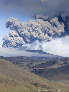 Plume of the Eyjafjallajokull Eruption - Iceland