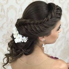 "image by Sonia Lopes (@penteadossonialopes) with caption : ""Amoo ❤️ #PenteadosSoniaLopes ✨ . . . #sonialopes #cabelo #penteado #noiva #noivas #casamento #hair #hairstyle #weddingh"" - 1731268318080627268"