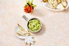 Avocadodip - Recept - Allerhande Pesto Dip, Party Food And Drinks, Tapenade, Tex Mex, Avocado Toast, Guacamole, Tapas, Bbq, Spices