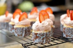 Angel Food Cupcakes with Strawberry Mascarpone Frosting. Super Easy to Make. #cupcakerecipes