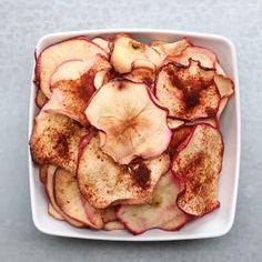 Baked Fruit & Veggie Chips 4 Ways by Tasty Vegan Snacks, Healthy Treats, Snack Recipes, Cooking Recipes, Healthy Recipes, Whole30 Recipes, Apple Recipes, Recipes Dinner, Healthy Tips