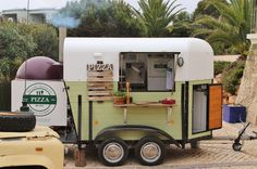 The Little Kitchen are private caterers for weddings, birthdays, events and festivals. The quirky mobile pizzeria makes any event special. Pizza Food Truck, Food Truck Catering, Catering Events, Food Trucks, Pizza Pizza, Pizza Party, Healthy Eating Tips, Healthy Nutrition, Food Truck Wedding