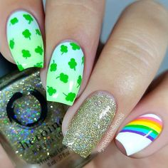 Patrick& Day Nails are all about celebrating this lucky day. Here are the best St. Patrick& Day Nail art ideas and Nail art designs tutorials / inspo. Ombre Nail Designs, Best Nail Art Designs, Nail Polish Designs, Nails Design, Gold Glitter Nail Polish, Gold Nails, Saint Patrick, Flag Nails, St Patricks Day Nails