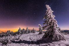 Beautiful winter night on the tops of Pilat east of the Massif Central by photographer Joris Kiredjian