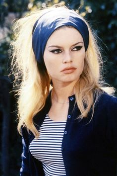 Bardot likely comes to mind. One part style icon, one part sex symbol, Bardot set the standard for top-notch personal style in the and with her Bridgitte Bardot, Sienna Miller, Sac Brigitte Bardot, Bridget Bardot Makeup, French New Wave, French Style, French Lady, Pin Up, Actrices Hollywood