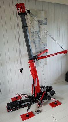 LEGO Mammoet crane