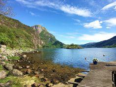 reisetips og reiseinspirasjon: I ett med naturen - Kajakkpadling på Dalsfjorden Lets Get Lost, Norway, Let It Be, Mountains, Nature, English, Travel, Outdoor, Voyage