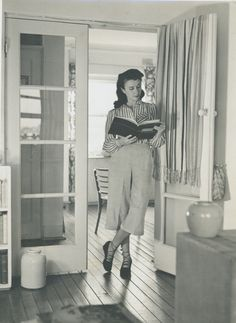 Photographic portrait of Margaret Lord in her Potts Point unit New South, South Wales, Sydney, Lord, The Unit, Amp, Australia, Marketing, Black And White