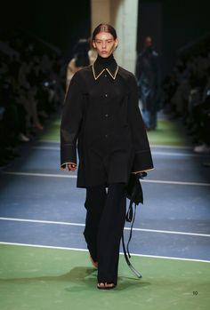Céline Fall 2016 Ready-to-Wear Fashion Show - Ondria Hardin